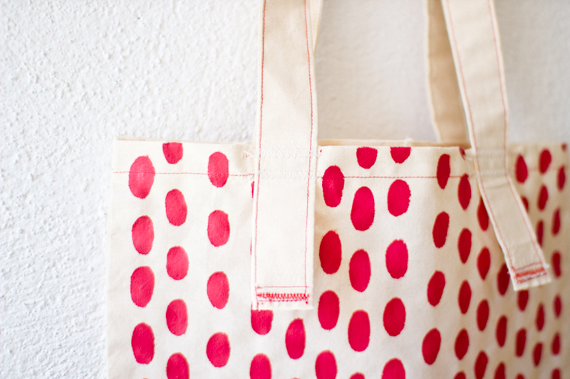 Red Spots Tote 7